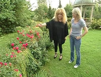 Алла Пугачева и Максим Галкин показали свой великолепный сад!